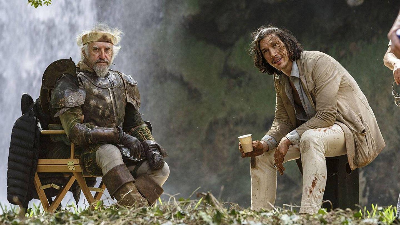 Jonathan Pryce y Adam Driver en 'El hombre que mató a Don Quijote'. (Warner)