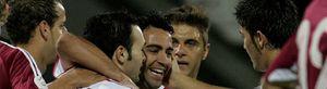 Los jugadores dan la cara por su compañero Xavi