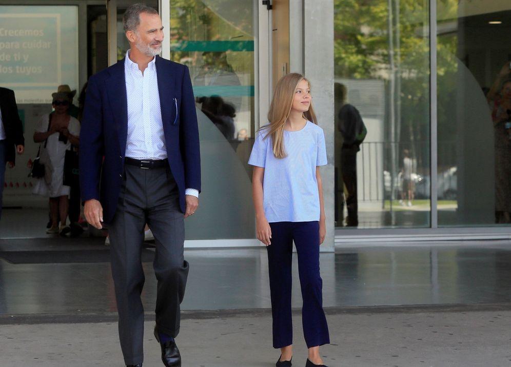 Foto: Siguen las visitas al rey Juan Carlos en el hospital Quirón. (EFE)