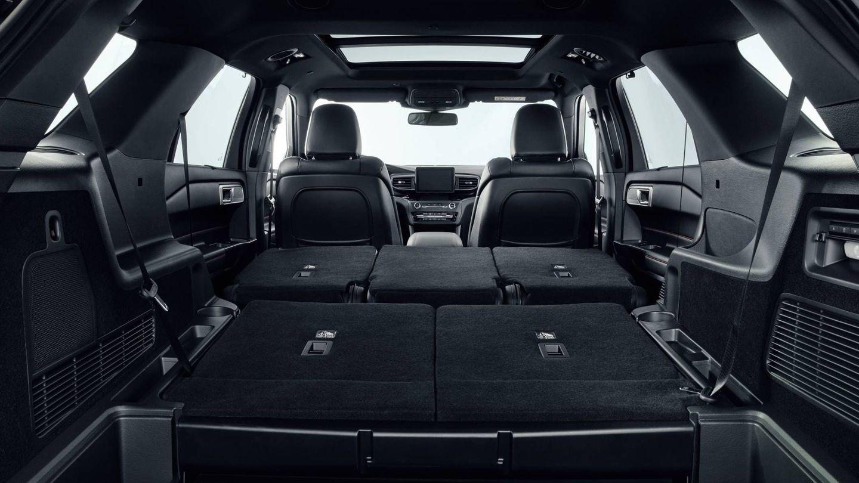 Con solo dos asientos su capacidad de maletero alcanza los 2,2 metros cúbicos.