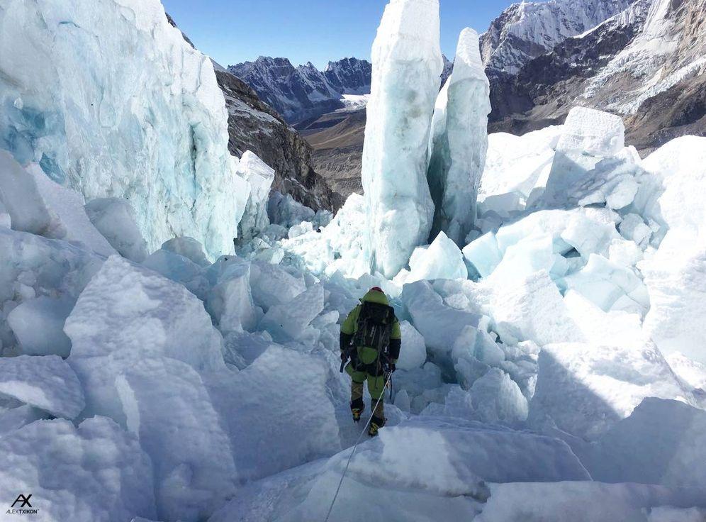 Foto: Uno de los rasgos de Alex Txikon como alpinista es no exponer a su equipo a riesgos inasumibles.