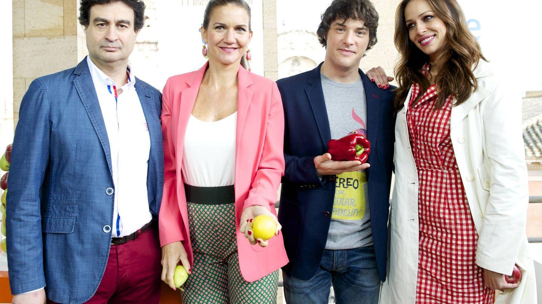 Pepe Rodríguez, Samantha Vallejo-Nágera, Jordi Cruz y Eva González, compañeros en 'MasterChef'. (Getty)