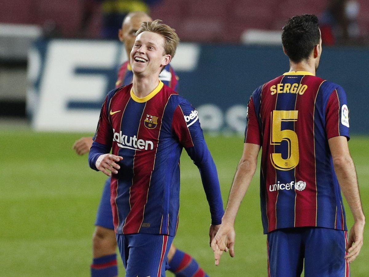 Foto: Frenkie de Jong sonríe tras marcar ante la Real Sociedad. (Reuters)