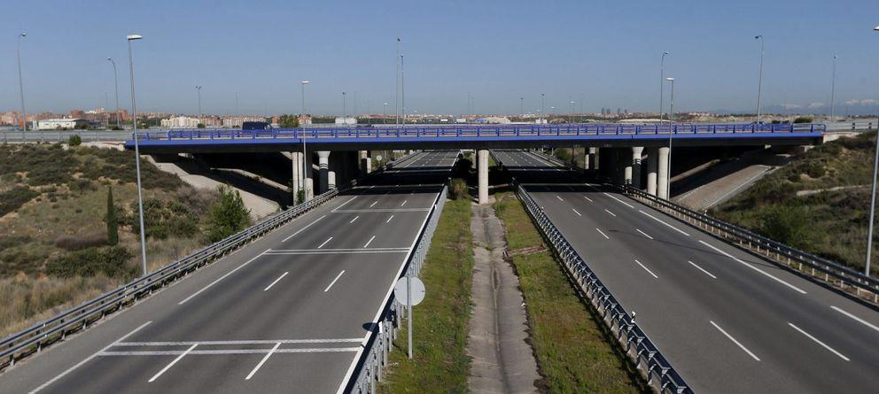 Foto: Vista de la R-2, la autopista de peaje que discurre a lo largo de 62 kilómetros entre la M40 y Guadalajara. (EFE)