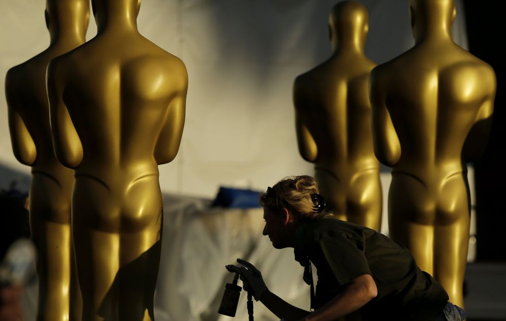Foto: Preparativos para la 89 edición de los Oscar en Hollywood, California (EFE/PAUL BUCK)