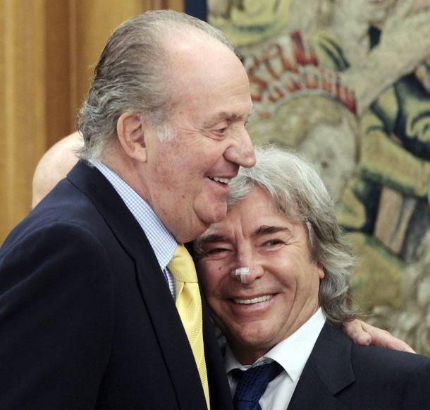 Foto: Don Juan Carlos con Ángel Nieto. (Gtres)