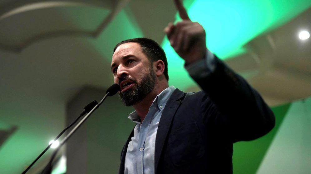 Foto: El presidente de Vox, Santiago Abascal, en un acto de campaña en Andalucía. (EFE)