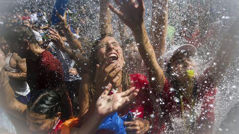 Fiesta del agua y Casa de la madre Teresa de Calcuta: el día en fotos