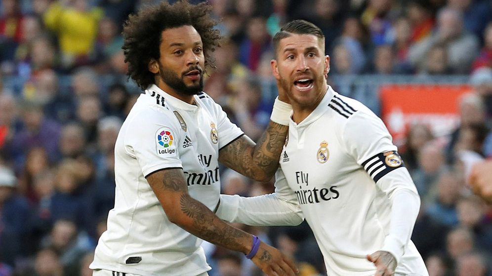 Foto: Sergio Ramos y Marcelo, los capitanes del Real Madrid, durante un partido en el Bernabéu. (Efe)