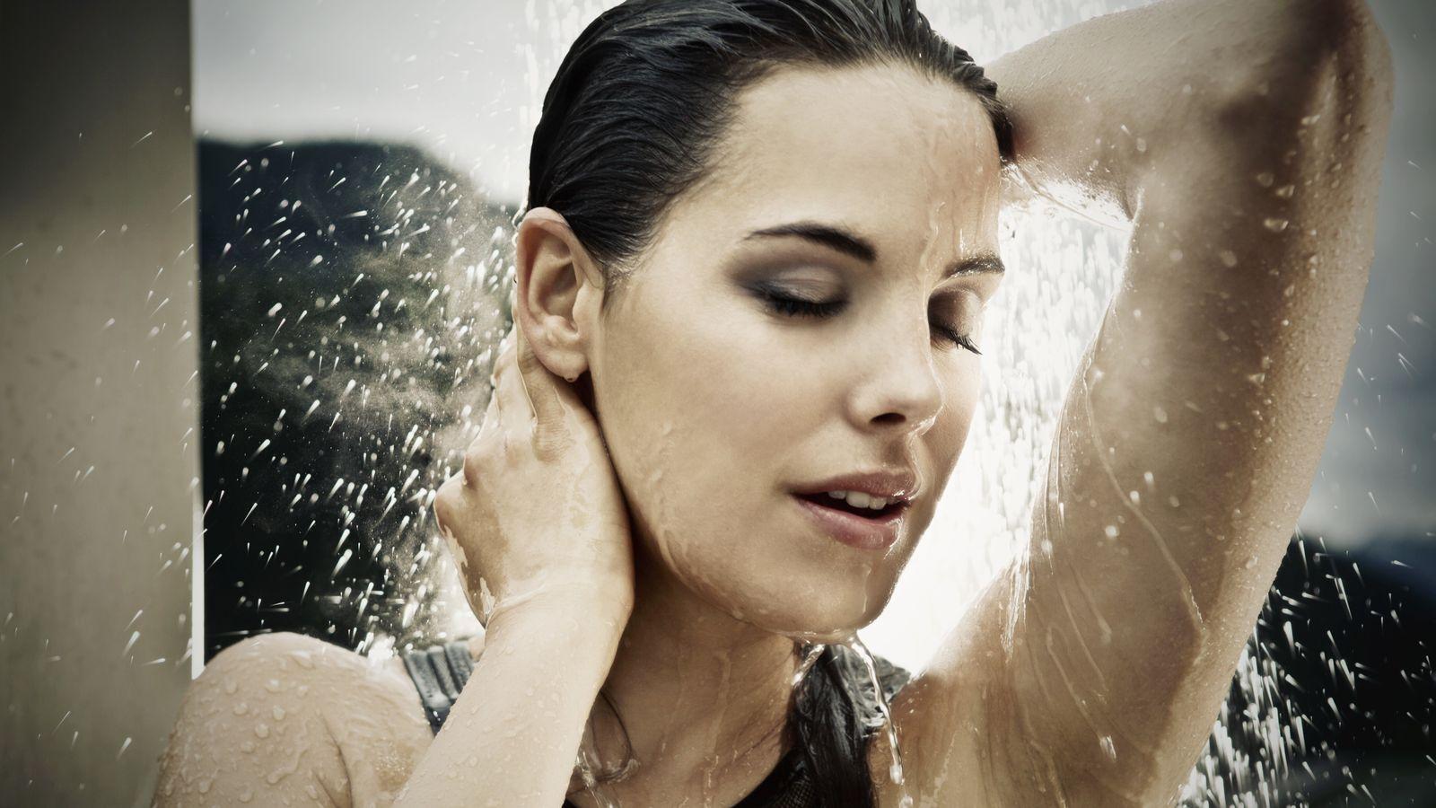Foto: Cuatro de cada cinco británicas afirma no ducharse todos los días. (Corbis)