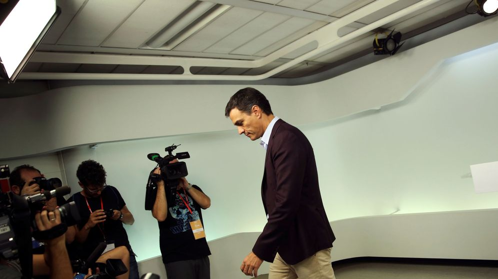 Foto: El exsecretario general del PSOE Pedro Sánchez, tras anunciar su dimisión. (Reuters)