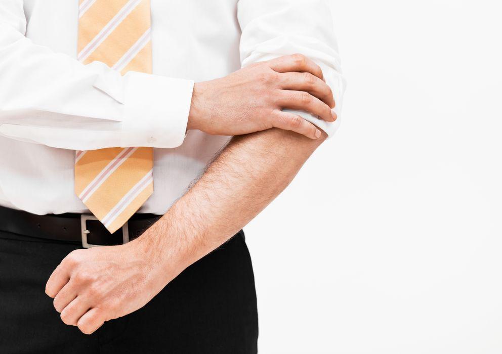 Aprende a arremangar o acortar las mangas de las camisas