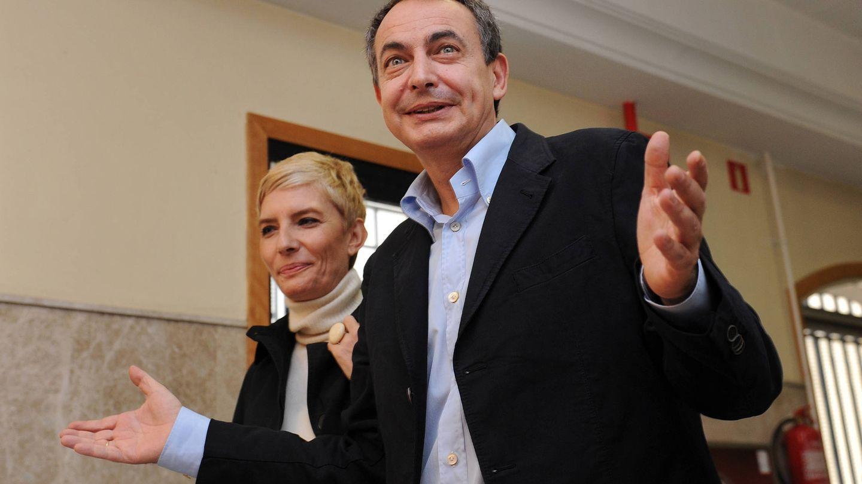 Zapatero y Sonsoles Espinosa, en una jornada electoral. (Getty)