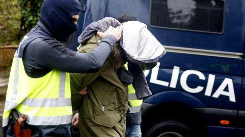 Detenido un captador de yihadistas y una mujer que intentó viajar a Siria