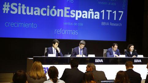 BBVA mejora sus previsiones y estima que España crezca un 2,7% en 2017 y en 2018