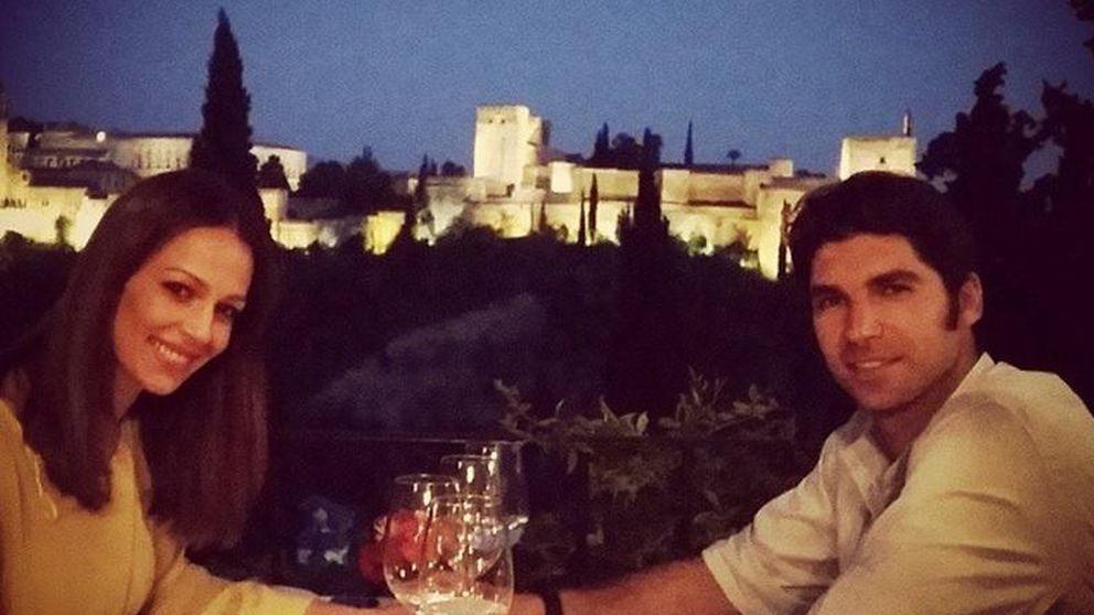 Eva y Cayetano disfrutan de una cena romántica frente a la Alhambra