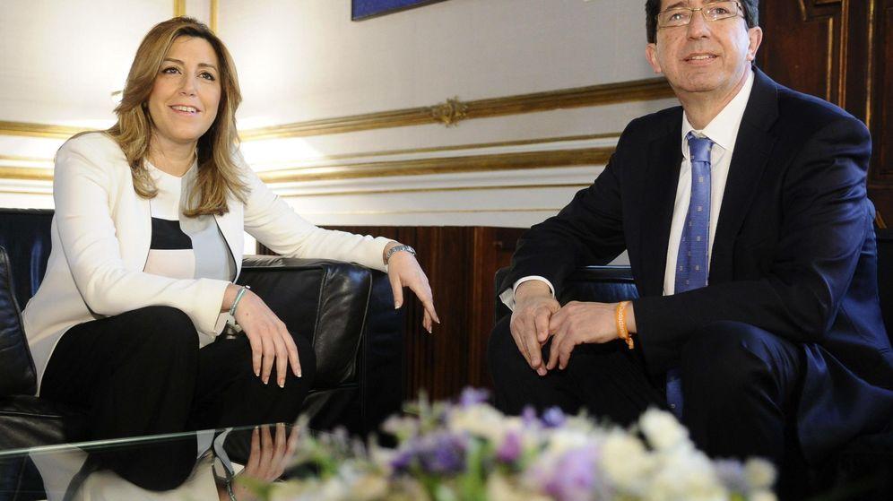 Foto: La presidenta en funciones de la Junta de Andalucía, Susana Díaz, y el líder de Ciudadanos en la Comunidad Autónoma, Juan Marín. (Efe)