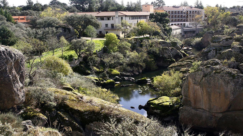 El río Yeltes a su paso por el balneario. (Foto: Kike Gómez)