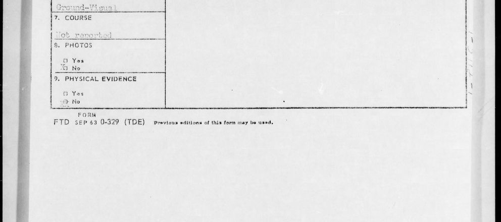 Foto: El informe que recoge el avistamiento de Seattle en junio de 1947, en el que se habló por primera vez de platillos volantes. (Blue Book Archive)
