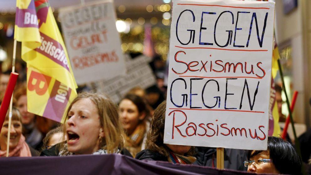 Mujeres tuvieron que atravesar verdaderos pasillos de agresores en Colonia