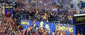El Barcelona no quiere bajar los brazos para igualar al mejor Madrid de Mourinho