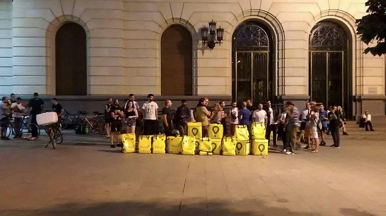 Repartidores de Glovo en Zaragoza ingenian una 'huelga colaborativa' y colapsan la 'app'
