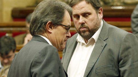 "ERC 'atornilla' a Mas para que acepte una lista unitaria ""sin políticos"""