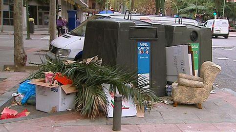 Multado al hallar un tique con su nombre en la basura en la calle y sin reciclar