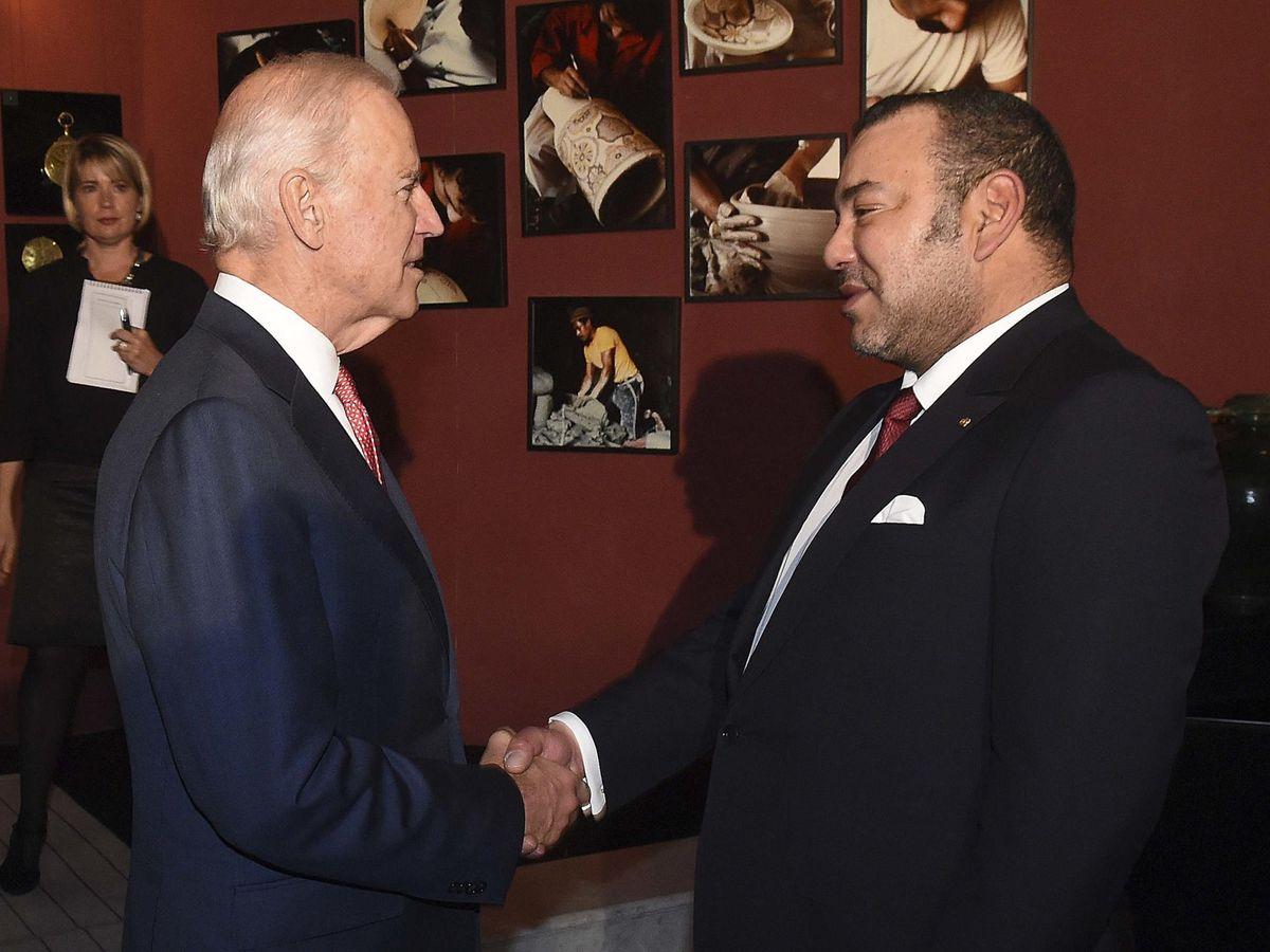 Foto: Biden junto al rey Mohammed VI en su época de vicepresidente. (Reuters)