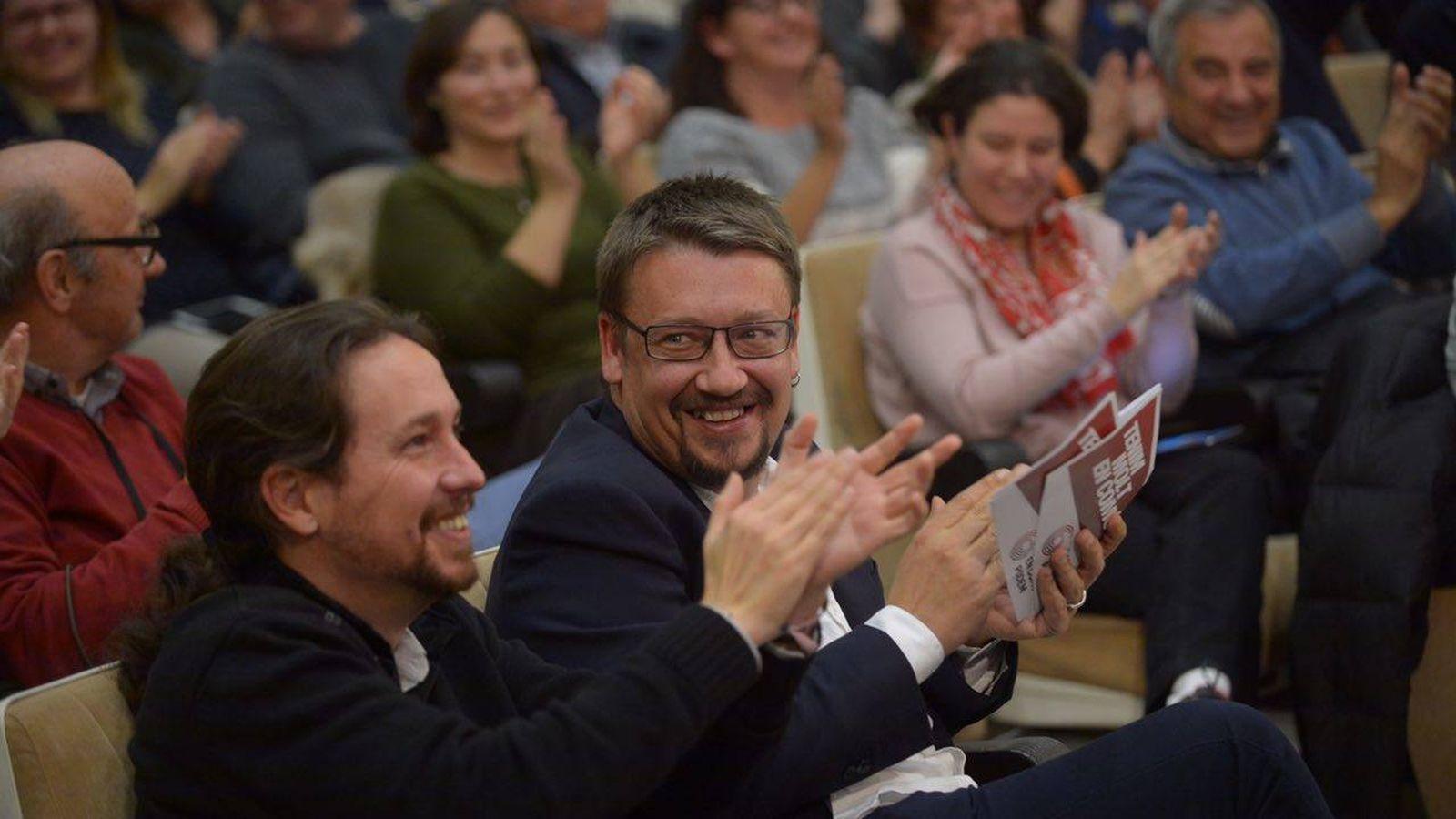 Foto: Pablo Iglesias y Xavier Domènech durante el mitin de Catalunya en Comú-Podem que compartieron este lunes en Tarragona. (Dani Gago)