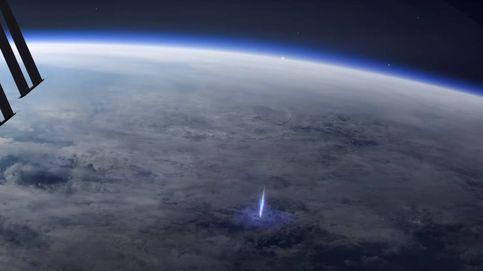 La ESA capta la impresionante formación de un rayo azul en la estratosfera