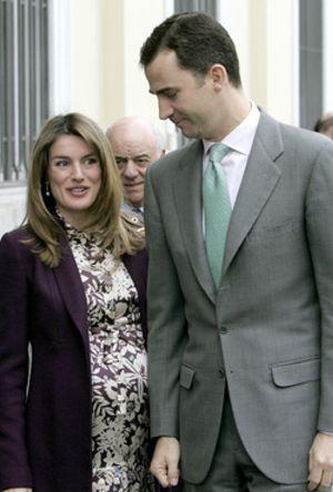 Doña Letizia ingresa en una clínica de Madrid para dar a luz a su segunda hija