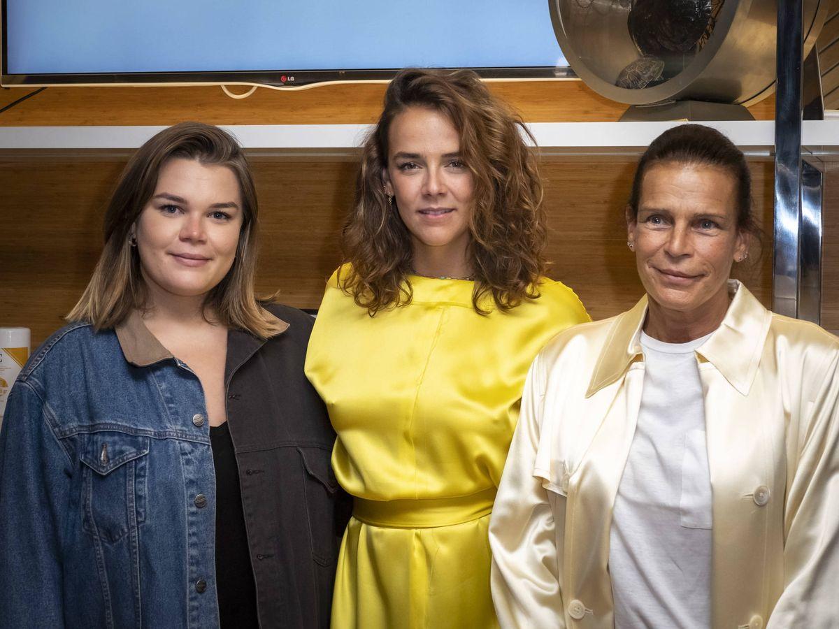 Foto: Estefanía, junto a sus dos hijas. (Getty)