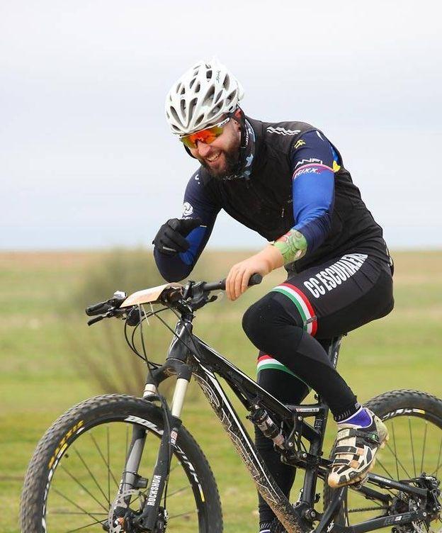 Foto: Christian Silva sobre la bicicleta.