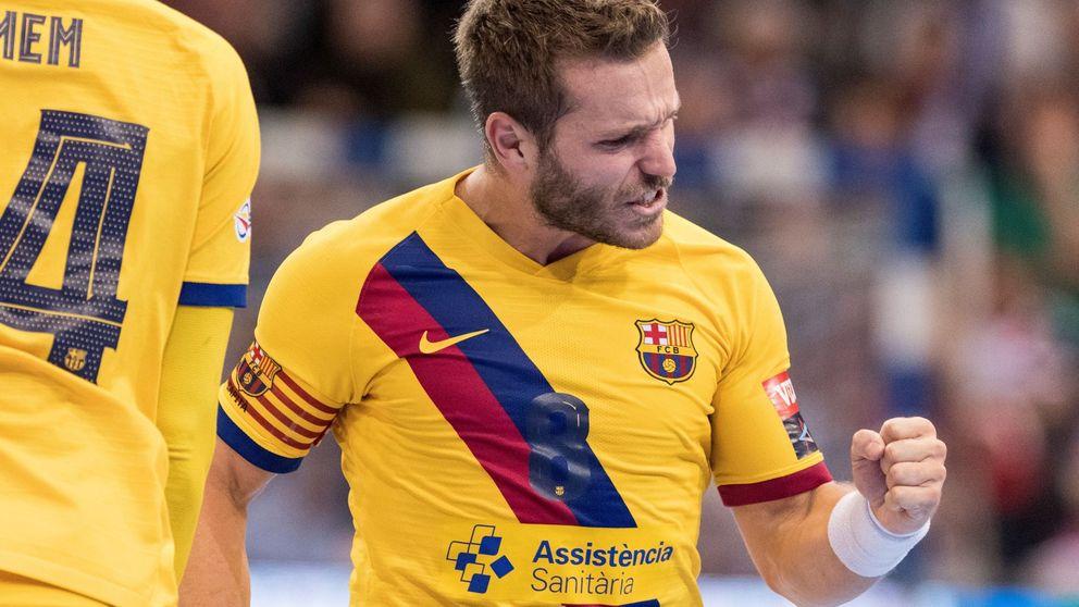 La retirada por problemas cardiacos de Víctor Tomás, capitán del FC Barcelona