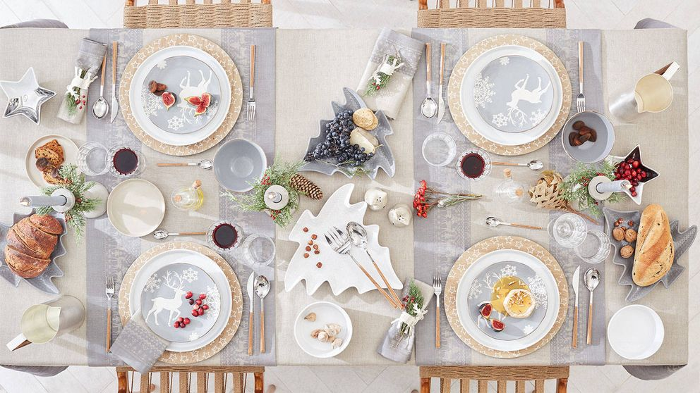 Protocolo en la mesa de Navidad: qué sí y qué no debemos hacer al montarla
