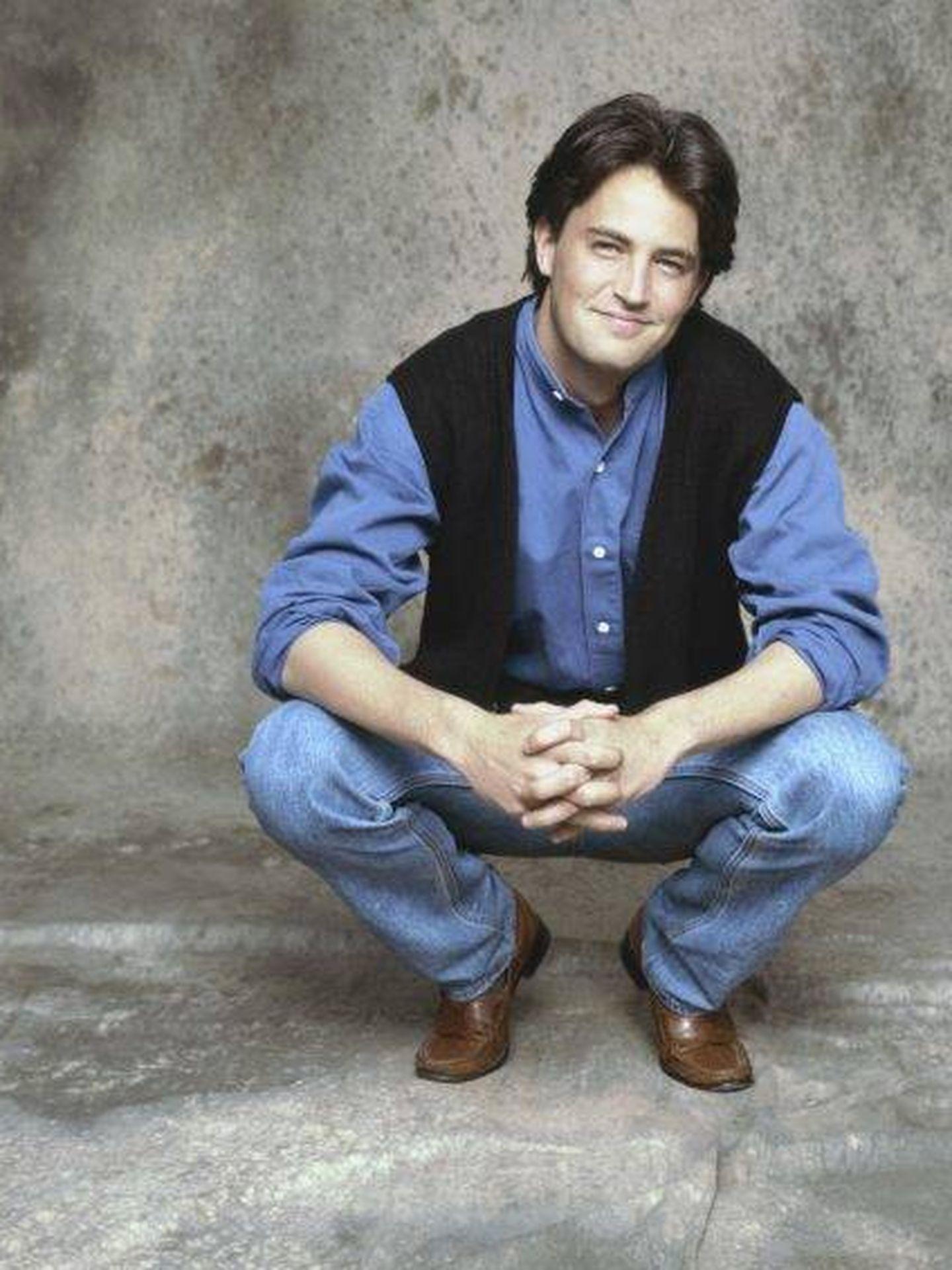Matthew Perry, en la primera temporada de 'Friends'. (NBC)