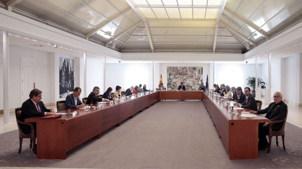 Foto: Reunión del Consejo de Ministros extraordinario celebrado este sábado en la Moncloa. (EFE/Jose María Cuadrado Jiménez)