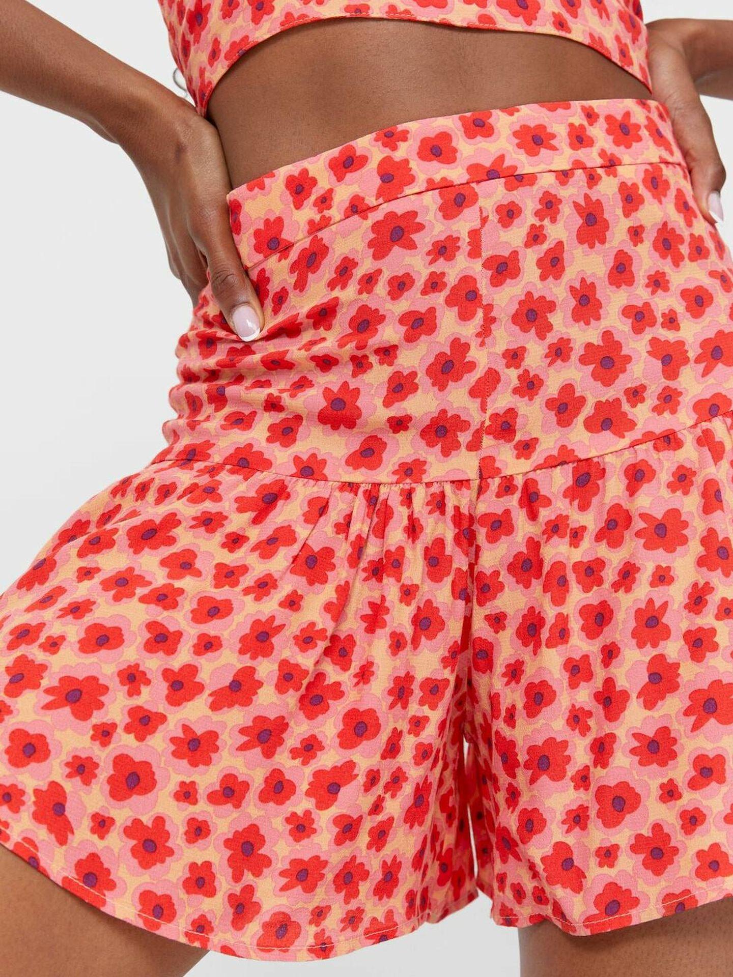 Falda pantalón de las rebajas de Stradivarius. (Cortesía)