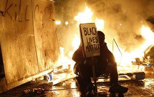 Arde Ferguson, epicentro de los disturbios raciales