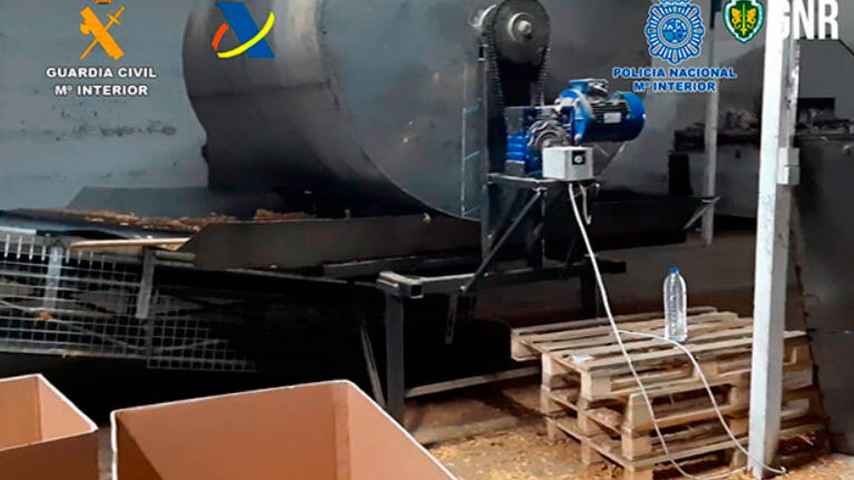 Cae una organización ilegal que fabricaba y comercializaba tabaco en España y Portugal