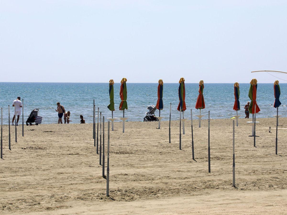 Foto: Playa de Larnaca (Chipre), este mayo  (EFE)