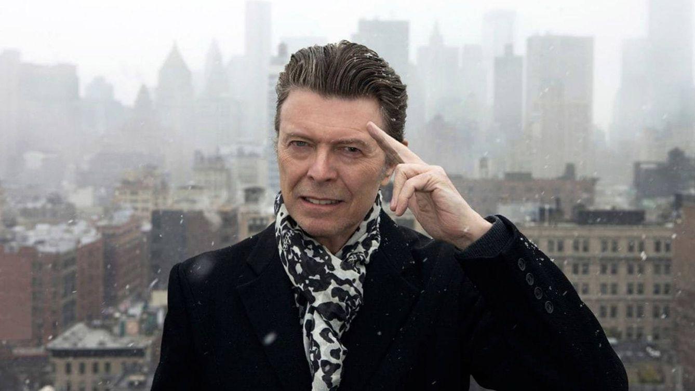 Foto: David Bowie, en una de las imágenes pertenecientes a su último disco, 'Blackstar' (2016).