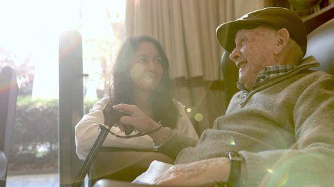 Un aplauso para quienes cuidan de nuestros mayores