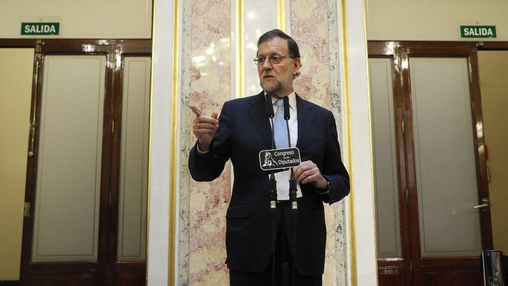 Foto: El presidente del Gobierno, Mariano Rajoy, al término de la sesión constitutiva del Congreso de la XII Legislatura. (EFE)