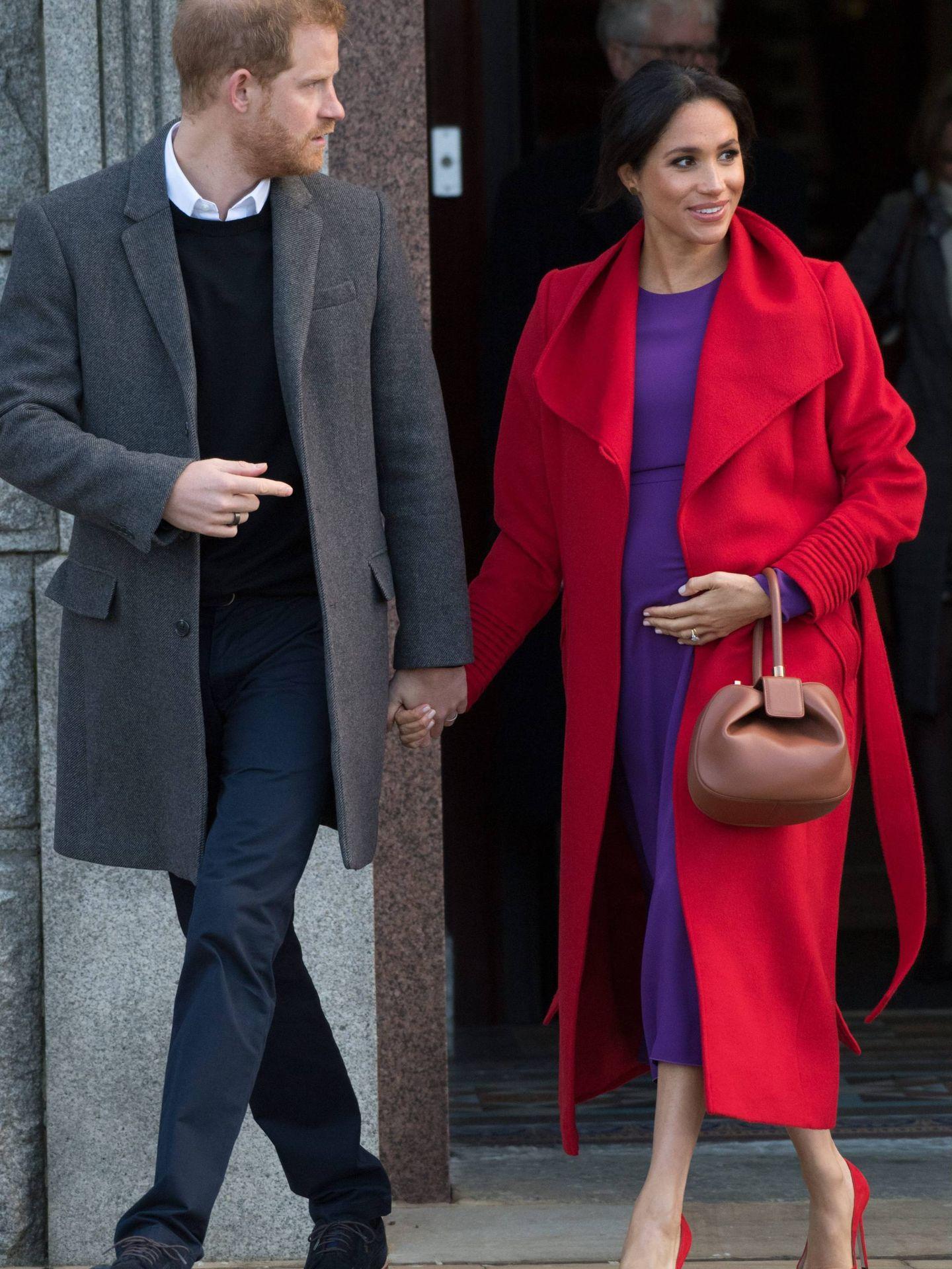 El superlook rojo y morado de Meghan Markle que tanto dio que hablar llevaba el sello de Gabriela Hearst. (Cordon Press)
