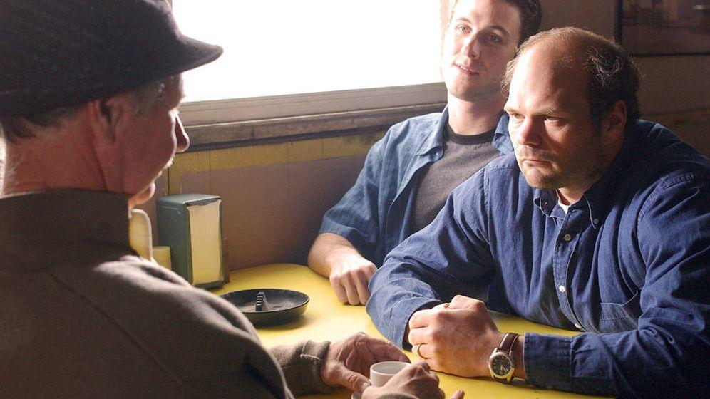 Foto: Frank Sobotka (d), el sindicalista protagonista de la segunda temporada de 'The Wire'.