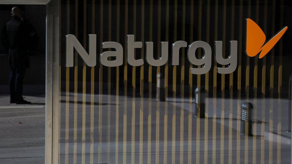 Foto: Logo de Naturgy en la sede de la compañía en Madrid. (Reuters)