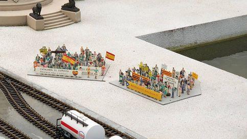 ¿Qué es típico de Barcelona? Para Mini-Europe, las protestas de 'indepes' y unionistas