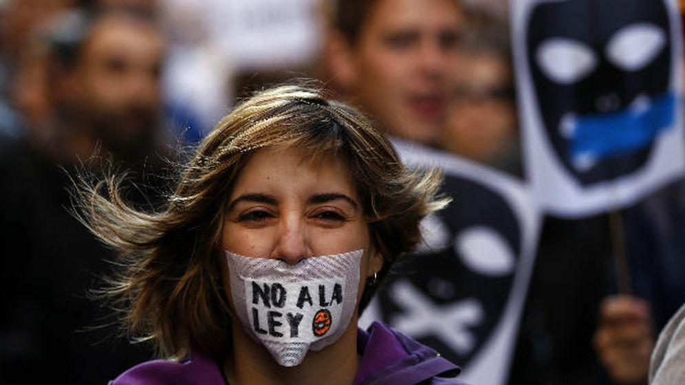 Foto: Desde criticar en Twitter hasta piratear por lucro: por esto podrán registrar tu PC